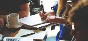 Douleur cervicale et dorsale au bureau : 5 conseils pour prévenir