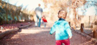 La marche sur la pointe de pied chez l'enfant