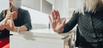 Tout sur l'arthrose de la main : Causes, symptômes et traitements