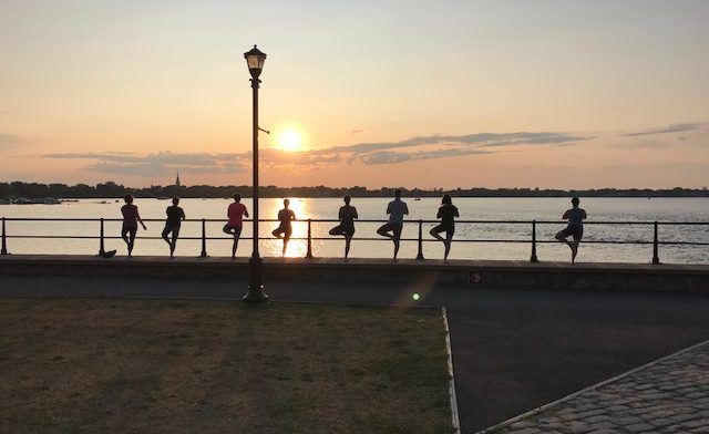 Yoga extérieur à Chambly : Inscription à la session d'automne