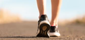 Comment marcher sans se blesser aux genoux ?